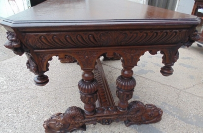 14A01007 FRENCH CARVED OAK LIBRARY TABLE WITH LIONS HEADS AND GADROONING (8)