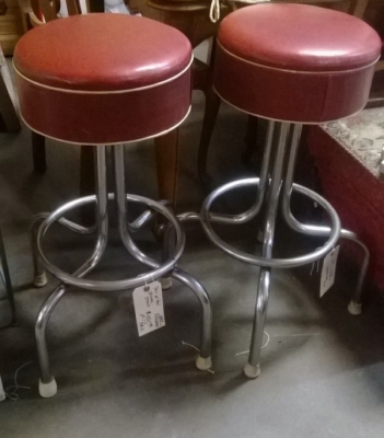 PAIR OF VINTAGE CHROME BAR STOOLS (1).jpg