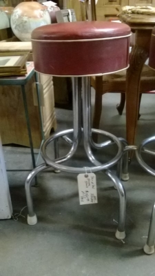 PAIR OF VINTAGE CHROME BAR STOOLS (3).jpg
