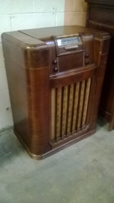 PHILCO RADIO PHONOGRAPH (2).jpg