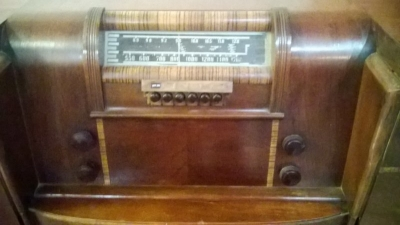 PHILCO RADIO PHONOGRAPH (4).jpg