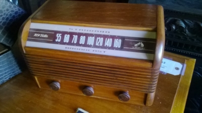 RCA VICTOR RADIO -WORKS! (1).jpg