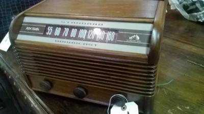 RCA VICTOR RADIO -WORKS! (3).jpg