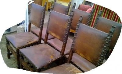 14J15009 SET OF 6 RUSTIC CHAIRS WITH LEATHER AND IRON TACKS (2).jpg
