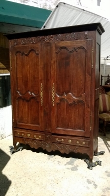 14J15013 EARLY LOUIS XV CARVED ARMOIRE (2).jpg