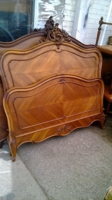 14J15022 LOUIS XV BED WITH INTERIOR MOLDING.jpg