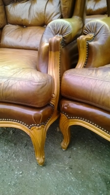 14J15024A PAIR OF LOUIS XV LEATHER WINGBACK ARM CHAIRS (3).jpg