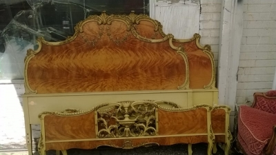 14J15027B PAIR OF LOUIS XV STYLE BEDS  (1).jpg
