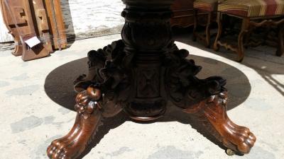 14j15001 LARGE FRENCH CARVED PEDESTAL BASE OVAL DINING  TABLE (2).jpg