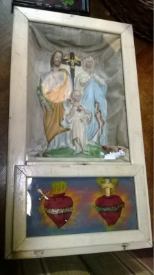 14J22037 HOLY FAMILY PRAYER SHRINE.jpg