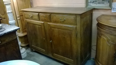 14J22055 EARLY PEGGED FRENCH OAK SIDEBOARD (2).jpg