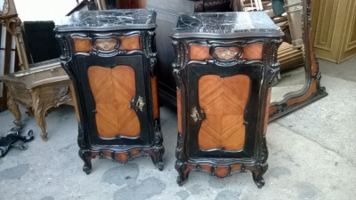 14K12008 PAIR OF LOUIS XV MARBLE TOP ROSEWOOD NIGHTSTANDS  (1).jpg