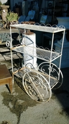 14J27371 WHITE METAL FLOWER CART.jpg