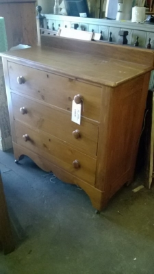 14J27622 PINE CHEST OF DRAWERS.jpg