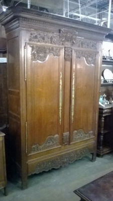 GRP-CARVED FRENCH OAK ARMOIRE (1).jpg