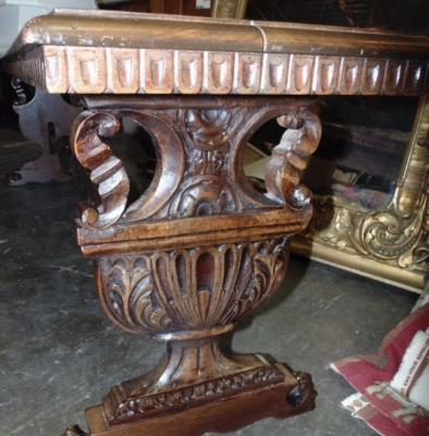 36 LONG CARVED ITALIAN BENCH (1)