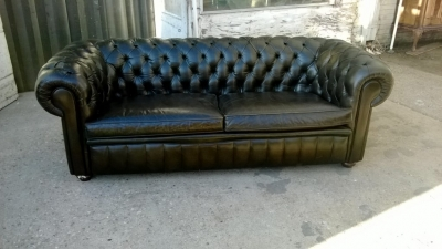 SOLD     14K19007 BLACK LEATHER CHESTERFIELD SOFA.jpg