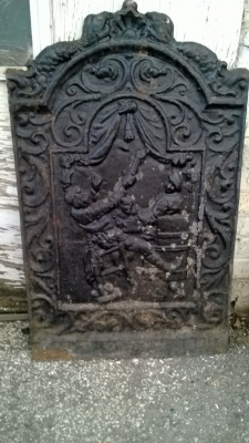 14K19005 CAST IRON FIREPLACE BACK.jpg