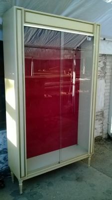 SOLD 14K19031 MIDCENTURY GLASS DOOR BOOKCASE DISPLAY (1).jpg