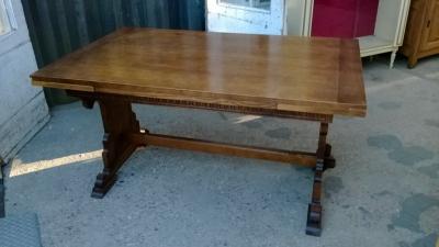14K19014 GOTHIC OAK DRAWLEAF TABLE (2).jpg