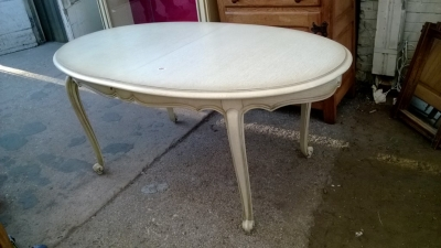 14K19044 PAINTED OVAL LOUIS XV TABLE WITH POP UP LEAF (1).jpg