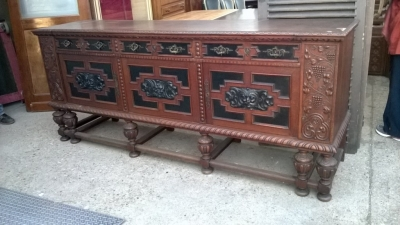 14K19039 CARVED GRAPES OAK FRENCH SIDEBOARD WITH MASK DOORS (1).jpg