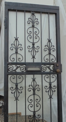 13C175  IRON AND ALUMINUM  FRONT DOOR