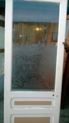 14K190 PAIR OF SMALL ETCHED GLASS DOORS (1).jpg