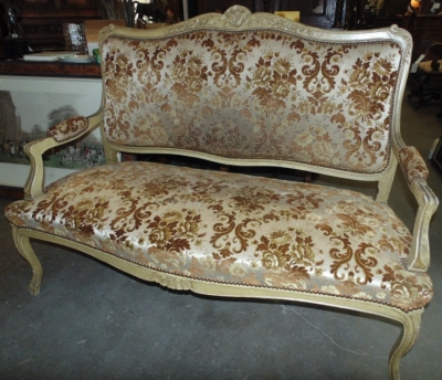 14C17500 FRENCH SETTEE FRAME (2)
