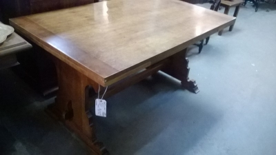 14H08074 GOTHIC OAK DRAWLEAF TABLE  (2).jpg