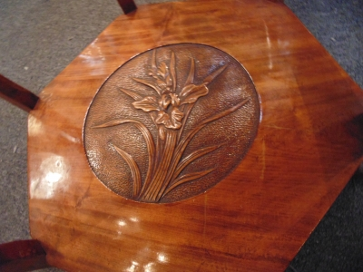 02 CARVED LAMP TABLE (3)