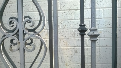 14L01280 AND 81 2 HUGE ARCHED IRON PANELS (2).jpg