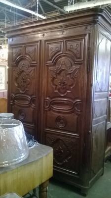 14L15 EARLY COUNTRY FRENCH ARMOIRE (1).jpg