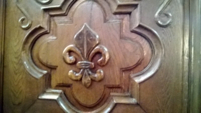 14L15 EARLY COUNTRY FRENCH ARMOIRE (2).jpg