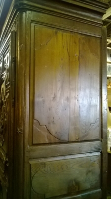14L15 EARLY COUNTRY FRENCH ARMOIRE (4).jpg