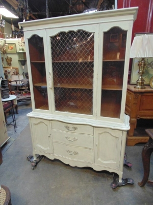 123 PAINTED CHINA CABINET