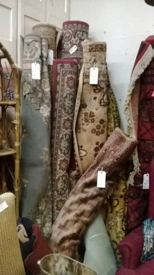 123 Assortment of Vintage Machine made rugs from Europe (64).jpg
