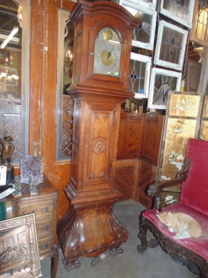 14B15056 LARGE OAK BOMBE GRANDFATHER CLOCK  (1)