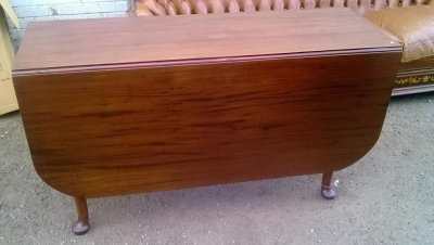 14D10003 EARLY MAHOGANY QUEEN ANNE DROPLEAF TABLE (1).jpg