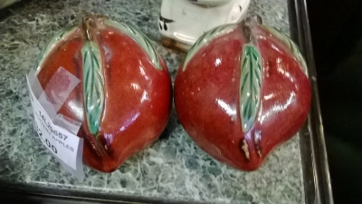 14L29657 PAIR OF POTTERY APPLES.jpg