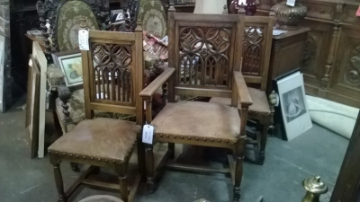 14L29752 SET OF 3 GOTHIC CHAIRS.jpg