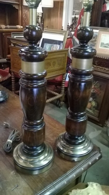 15A0930 PAIR OF WOOD LAMPS.jpg