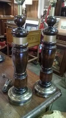 15A0930 PAIR OF WOOD LAMPS.jpg