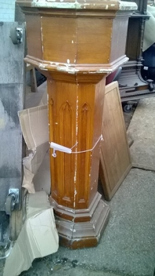 15A08201 PAIR OF COLUMN STANDS .jpg