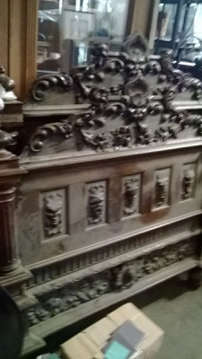 15A08213 FANTASTIC CARVED BED-NO RAILS (1).jpg
