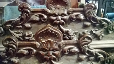 15A08213 FANTASTIC CARVED BED-NO RAILS (2).jpg