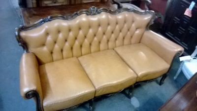 15A12108 LOUIS XV LEATHER SOFA (2).jpg