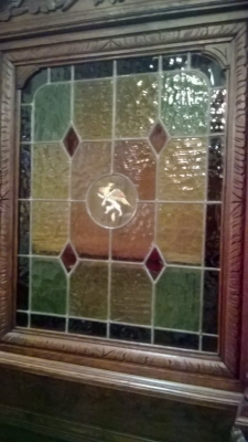 15A12119 BARLEY TWIST HUNTBOARD WITH STAINED GLASS WINDOWS (4).jpg