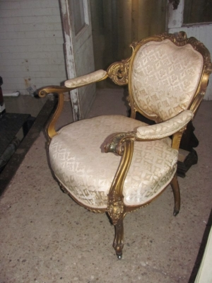 15A12124 LOUIS XV PARCEL GILT CHAIR (2).JPG