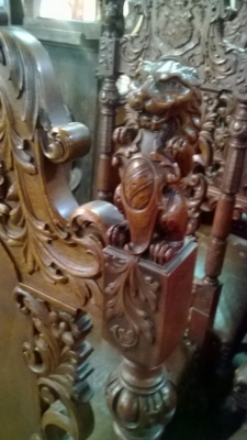 15A12125 SET OF 6 COAT OF ARMS CHAIRS (3).jpg